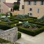 Jardin du Musée de la Faïence de Nevers un beau jardin
