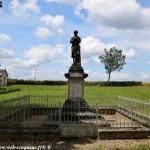Monument aux Morts de Diennes-Aubigny Nièvre Passion