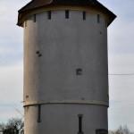 Château d' eau à Feuilles