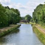 Pont sur le Canal à Presle