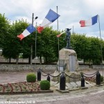 Monument aux Morts de Lormes