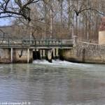 Pont sur la Nièvre à Guerigny