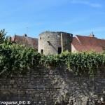 La tour de Saint Pierre le Moûtier Nièvre Passion