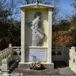 Stèle de Nolay un hommage aux Résistants du Nivernais