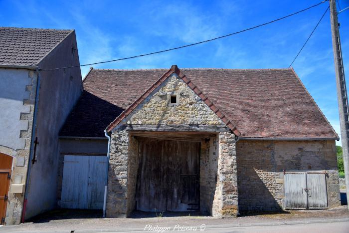 Ancienne grange de Saint Révérien un beau patrimoine