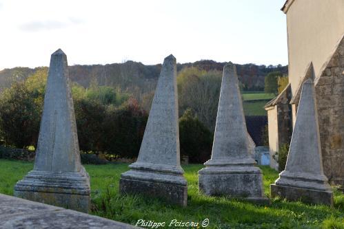 Anciennes pierre tombale de Chazeuil un remarquable patrimoine