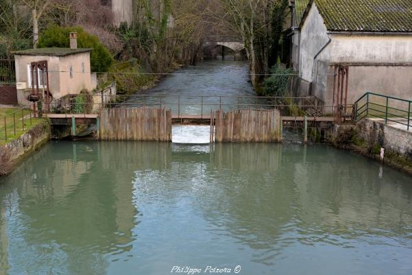 Barrage à aiguilles de Clamecy