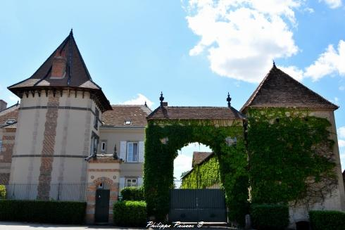 Château de Saint Seine un remarquable manoir