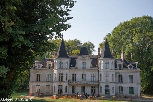 Château de Villette  un remarquable Château de Corvol