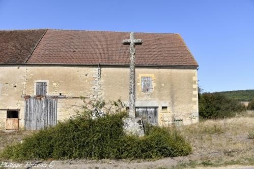 Croix monumentale de Sur Yonne – Patrimoine