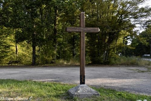 Croix de Les Pontots – Patrimoine vernaculaire
