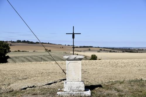 Croix de Villesauge – Patrimoine vernaculaire