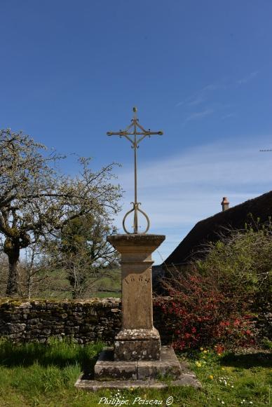 Croix de saint Benin des Bois