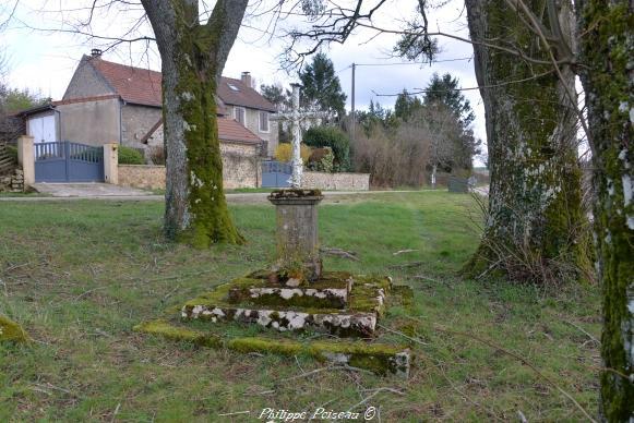 Croix du hameau Les Alouettes