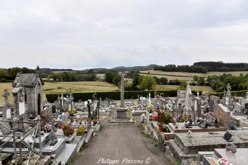 Croix du cimetière d' Ouroux en Morvan – Patrimoine