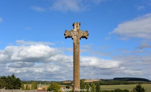 Croix du cimetière de Balleray