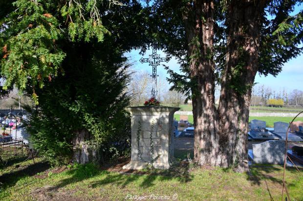 croix du cimetière de Livry