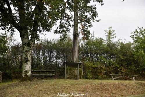 Croix monumentale de Chatin – Patrimoine vernaculaire