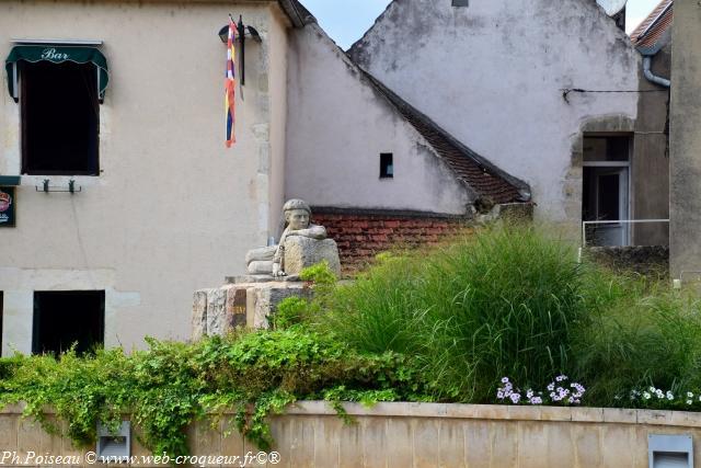 Monument de la résistance à Clamecy un hommage