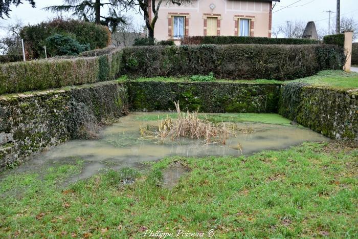 Crot du hameau de Vaux un beau patrimoine.