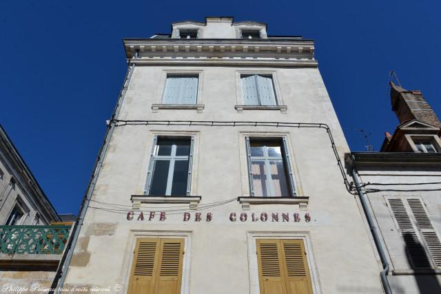 Café des colonnes de Clamecy