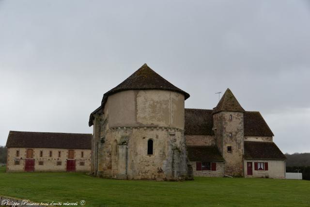 Chapelle de Feuilloux remarquable maison du Temple