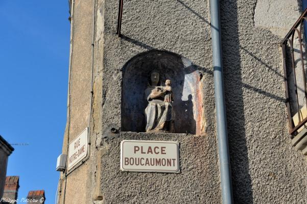 Niche de notre Dame à Moulin Engilbert