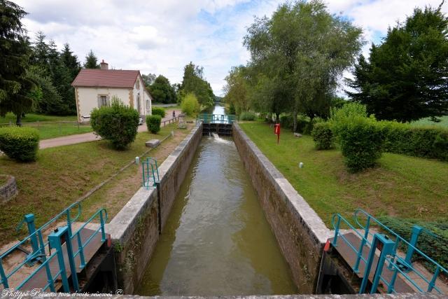 Écluse de Chaumigny Nièvre Passion