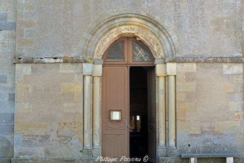 Portail de l'église de Saint-Révérien un Patrimoine
