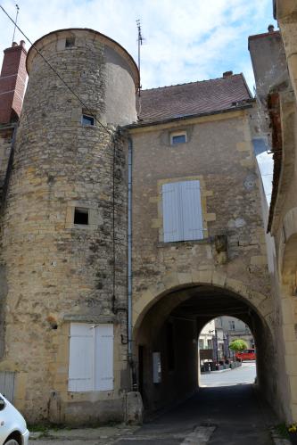 Porte Fortifiée de Tannay – Ancienne fortification