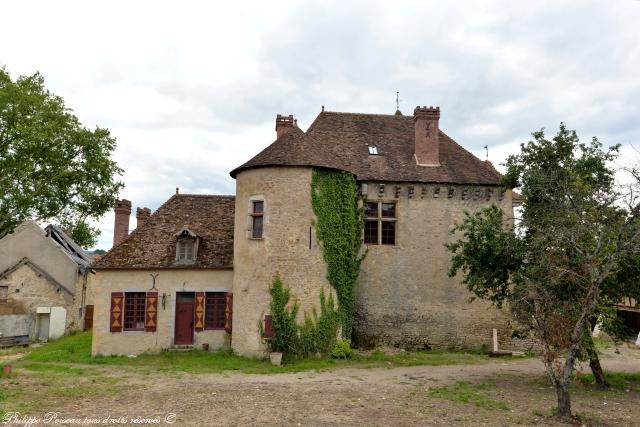 Château de Ternant – Forteresse de Ternant
