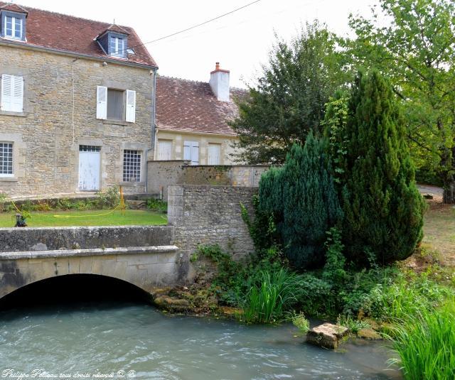 Ancien moulin du pont Charrault Nièvre Passion