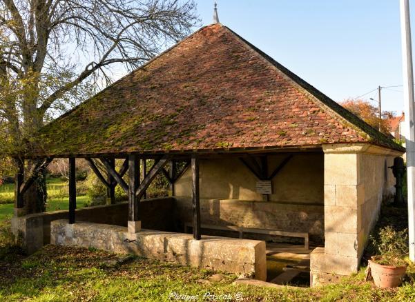 Lavoir du Courtil de Corvol d'Embernard Nièvre Passion