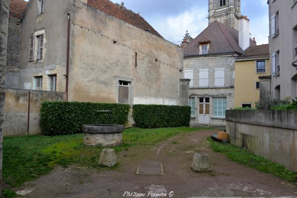 Puits du quai des moulins de Clamecy