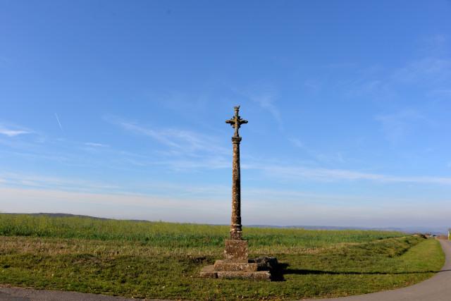 Croix de Champignolle le Haut Nièvre Passion