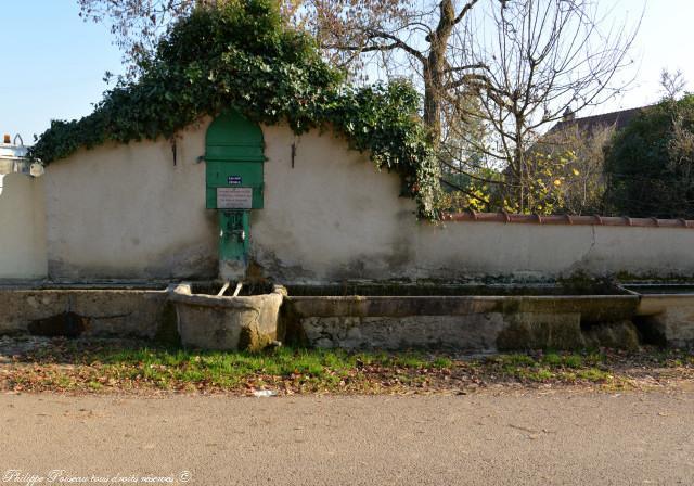 Fontaine d'Anthien rue Moreau