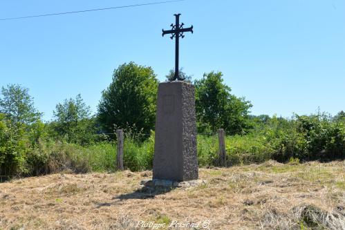 Croix du lieu dit domaine de la Grâce Nièvre Passion