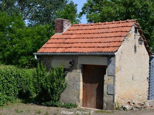 Les anciennes Loges des vignerons du Nivernais Nièvre Passion