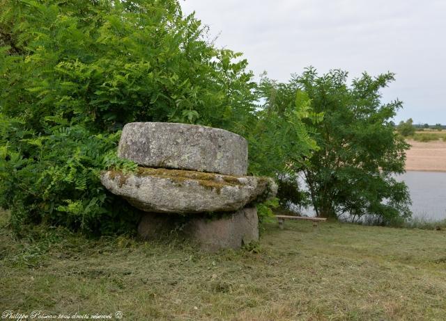 Les meules de port Thareau un remarquable patrimoine