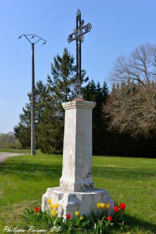 Croix de Saint Martin Sur Nohain un patrimoine
