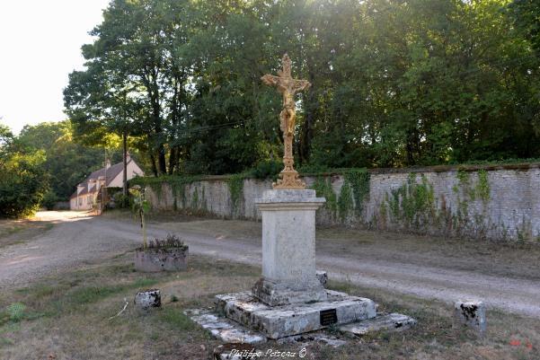 Croix de Montifault Nièvre Passion