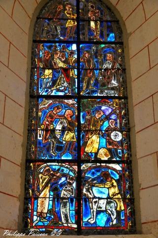 Vitrail du XIIIe siècle de l'église de Saint Vérain