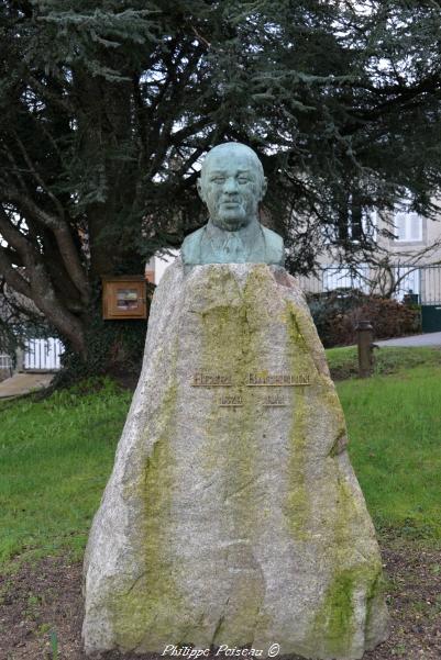 Stèle Henri Bachelin de Lormes
