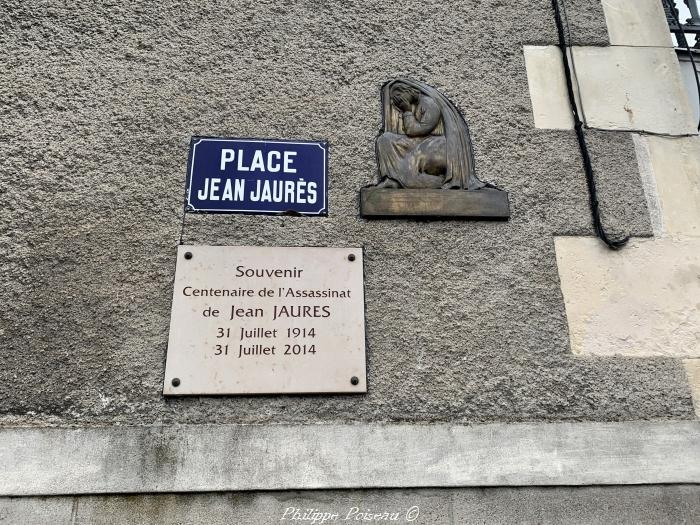 Place Jean Jaurès de Guèrigny