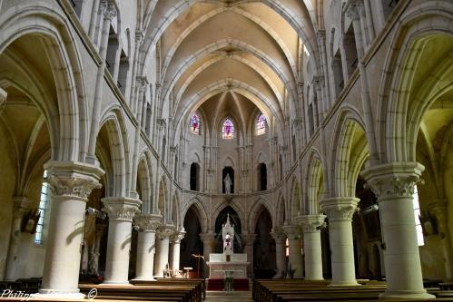 Intérieur de l'Église de Montreuillon