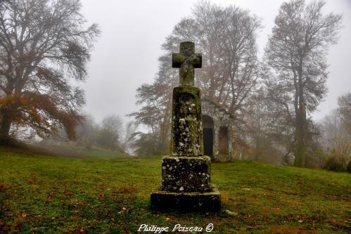La croix de Saint Martin du Mont Beuvray – Bibracte