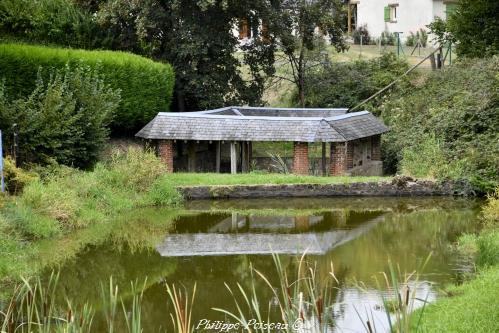 Lavoir d' Ouroux en Morvan – Patrimoine vernaculaire