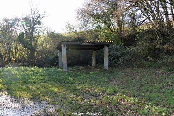 Lavoir du hameau de Mougues Nièvre Passion