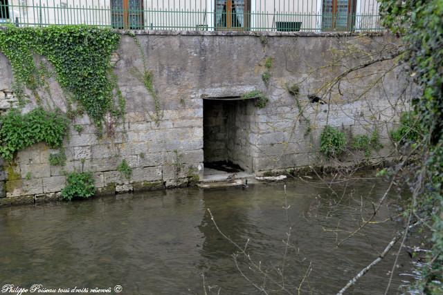 Lavoir privé de Clamecy quai de Bethléem Nièvre Passion
