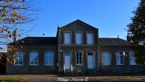 Mairie de Saint-Pierre-du-Mont un patrimoine